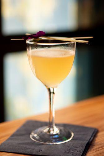 Nanoko cocktail bij Kampai