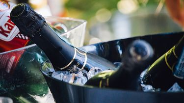 methode om snel wijn te koelen