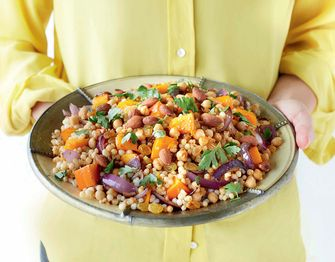 Arabische tajine met kruiden en groenten