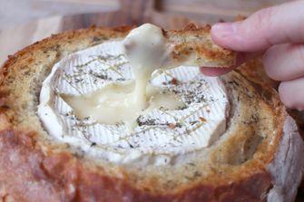 kaasfondue in een brood