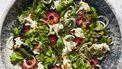 Salade met verse pruimen