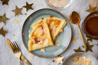 Crêpes met salted caramel als nagerecht voor kerst