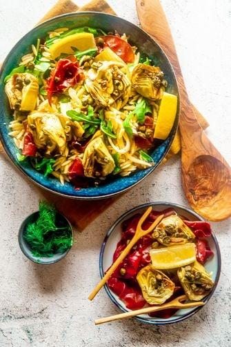 Salade orzo artisjokken