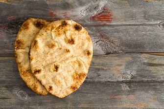 zelfgebakken brood / naan