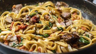 pastagerecht als voorbeeld om restjes pasta op te maken