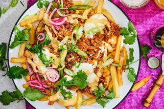 loaded fries met pulled jackfruit