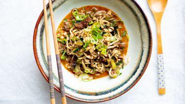 Dan dan noodles met pulled oats