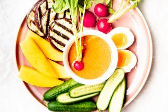 Pindadip met groenten