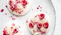 Mini pavlova's met frambozen en lychees