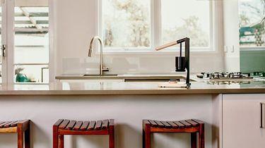 koffiezet apparaat op keukenblad
