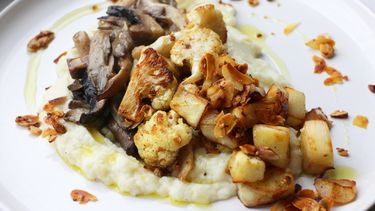 bloemkoolpuree met gebakken champignons