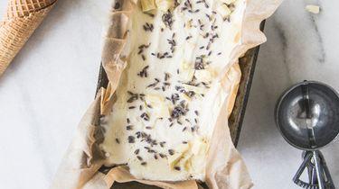Recept Sorbetijs met lavendel en witte chocolade zomertoetjes