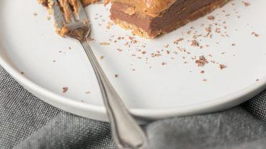 Afbeelding van cheesecake met pindakaas en chocolade recept