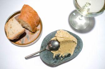 Brood met huisgemaakte boter bij Fico