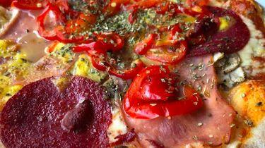 Pizza bij restaurant Fratelli in Giethoorn