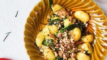 Gnocchi met worstvlees en spinazie