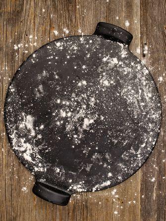pizzasteen zelfgemaakte pizza