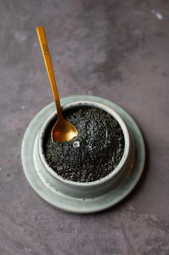 Boter van zwart sesamzaad / zwarte tahin