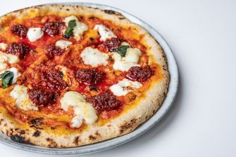 Pizza nduja van Euro Pizza